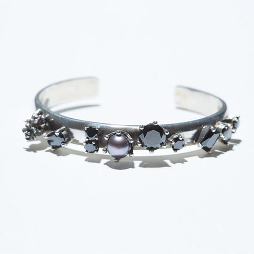 Pearl point bangle(black)