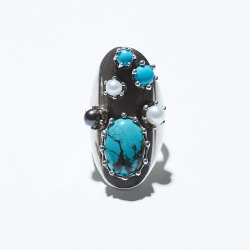 Turquoise point wide ring
